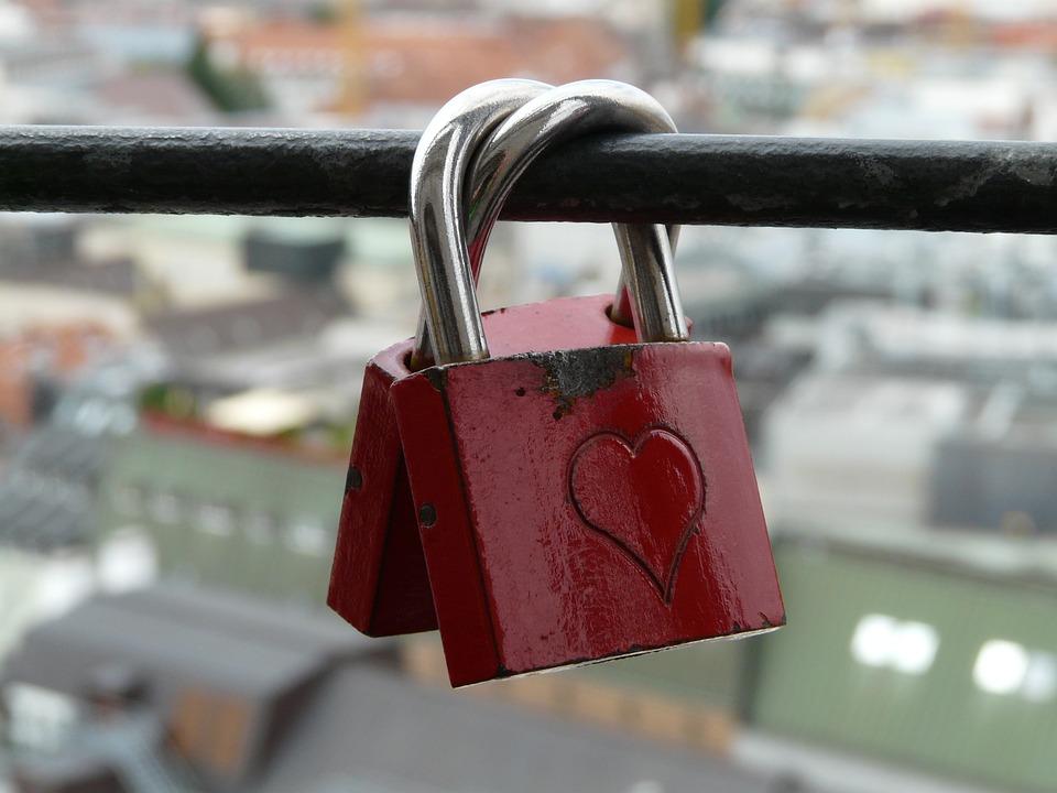 love-locks-59067_960_720