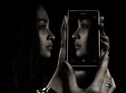 Los dispositivos digitales y la soledad